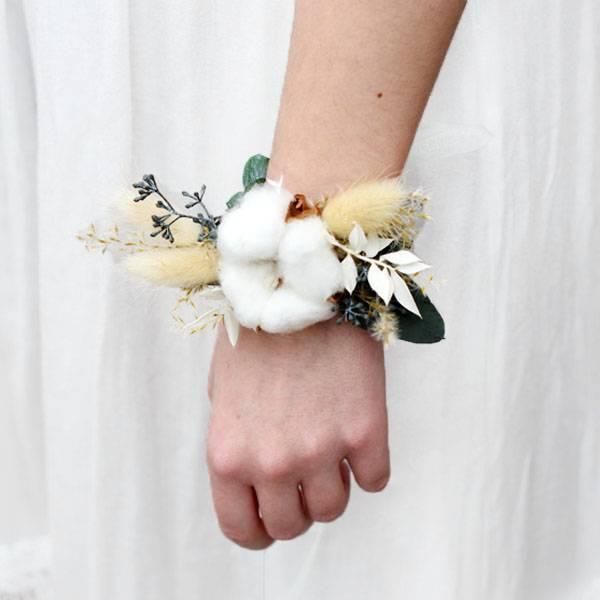 Trockenblumen Armband Braut | Trauzeugin | Hochzeit | Natur Pur | weiss-grün-braun |  Eukalyptus, Baumwolle, ruskus, lagurus
