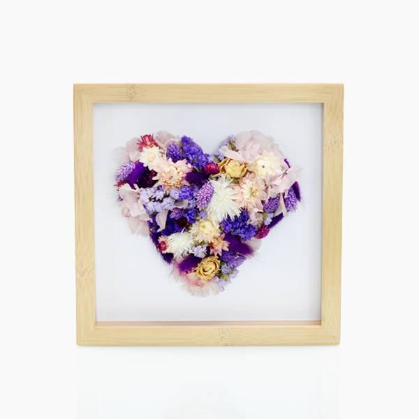Trockenblumen Bilderrahmen Herz | Lila Zauber | weiss-lila | Strohblumen, rosen, hortensie