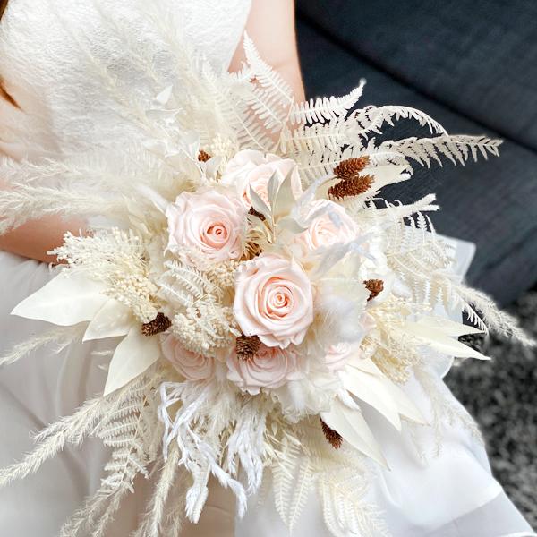 Trockenblumen Brautstrauß | Rosenzauber | weiss-ivory-pastell