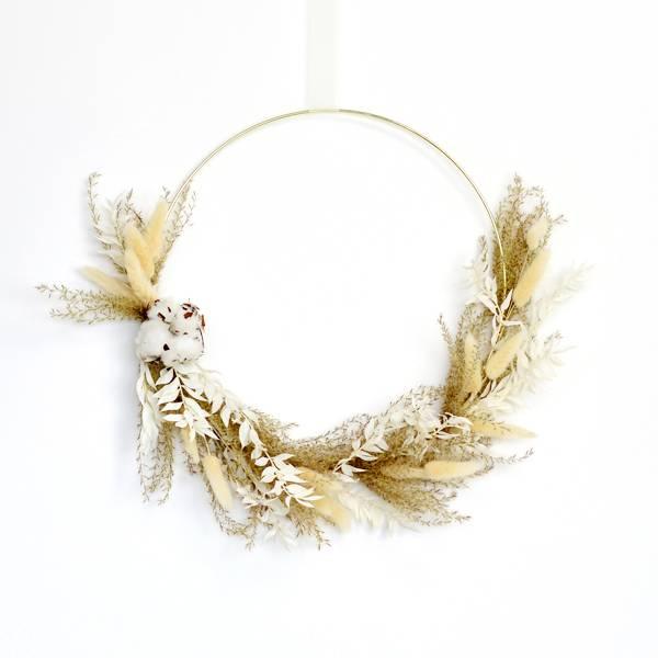 Trockenblumenkranz | Hoop | Freinatur | gold 30 cm | Trockenblumen weiss-natur-braun | Pampasgras, baumwolle, Lagurus, ruskus