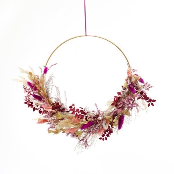 Love_Dried_flowers_Trockenblumen_Kranz_floral_Hoop_getrocknete_Blumen_Ring_Flower_Reif_Beerentraum_gold_30cm.jpg