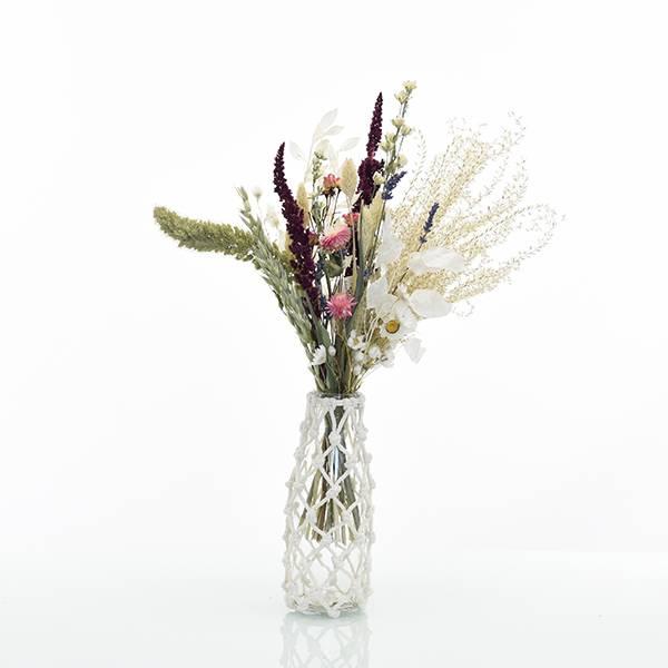 Trockenblumenstrauss Sommerliebe M mit Vase Makramee M | Pampasgras, Rittersporn, Strohblumen | Trockenblumen bunt-pink-lila-grün