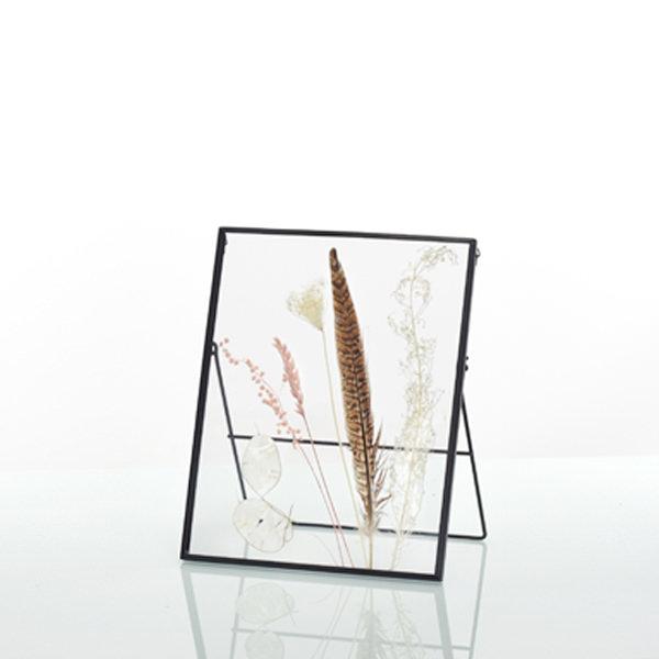 Bilderrahmen rechteckig Natur mit gepressten Trockenblumen und Fasanenfeder