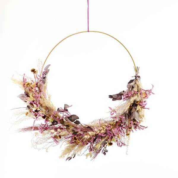 Trockenblumenkranz | Hoop | Wilde Romanze | gold 40 cm | Trockenblumen natur-pink-beere | Pampasgras, Eukalyptus, Statice
