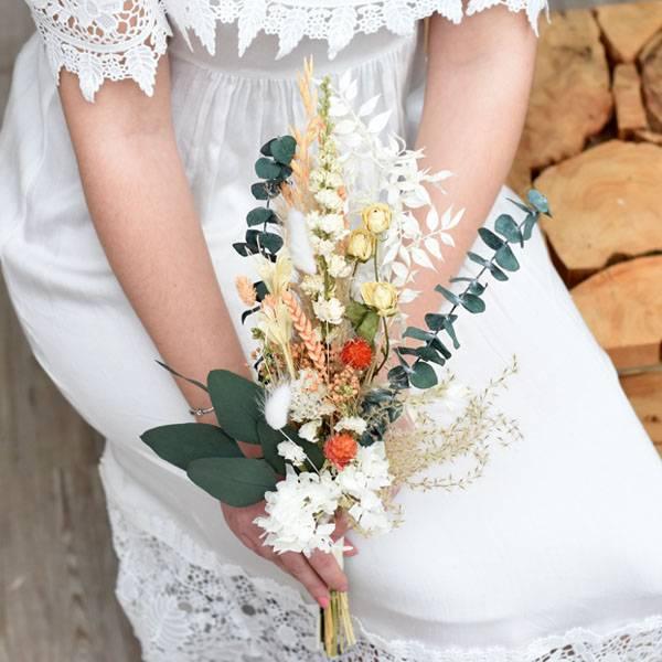 Trockenblumenstrauß Trauzeugin | Brautjungfern | Hochzeit | Pastellzauber | weiss-aprikot-grün | Trockenblumen, Eukalyptus, Pampas, Rittersporn, Rosen