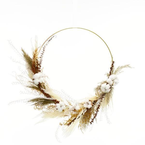 Trockenblumenkranz | Hoop | Naturglück | gold 40 cm | Trockenblumen weiss-natur-braun | Pampasgras, baumwolle, Palak Stick