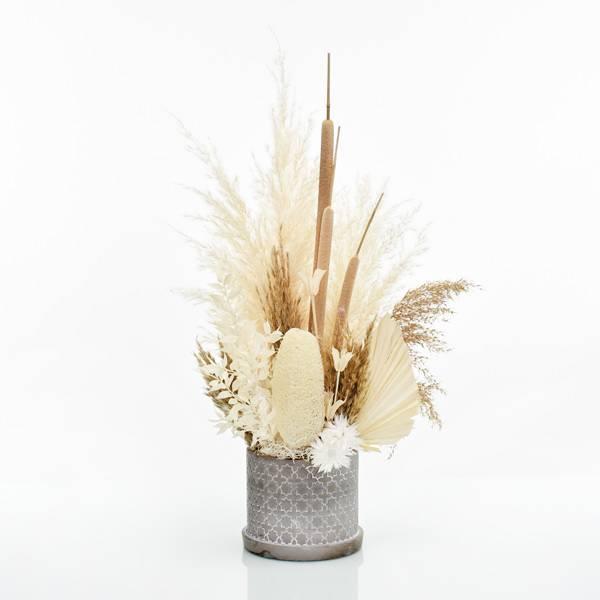 Trockenblumen Gesteck | Zement Topf grau | Boho Liebe L | weiss-natur-braun | Pampasgras, Palmspear, Schilfkolben, Caplume